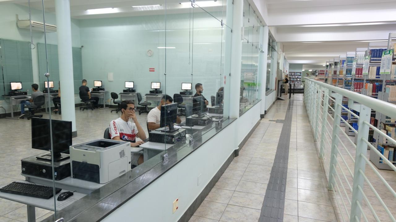 Biblioteca 7